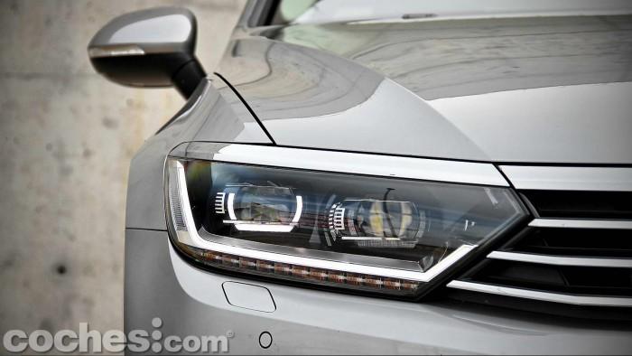 Volkswagen_Passat_2.0TDI_BMT_088