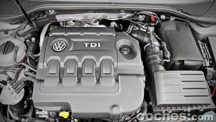 Volkswagen_Passat_2.0TDI_BMT_093
