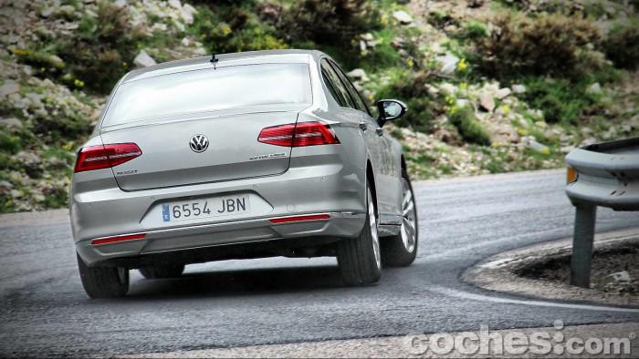 Volkswagen_Passat_2.0TDI_BMT_110