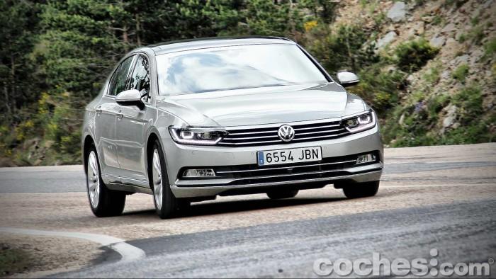 Volkswagen_Passat_2.0TDI_BMT_114