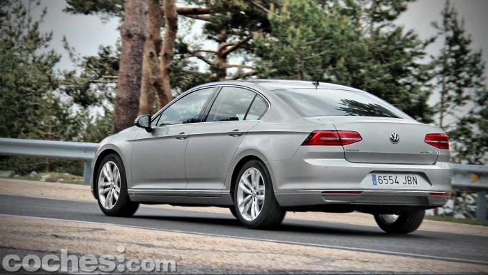 Volkswagen_Passat_2.0TDI_BMT_118