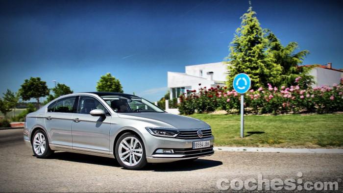 Volkswagen_Passat_2.0TDI_BMT_121