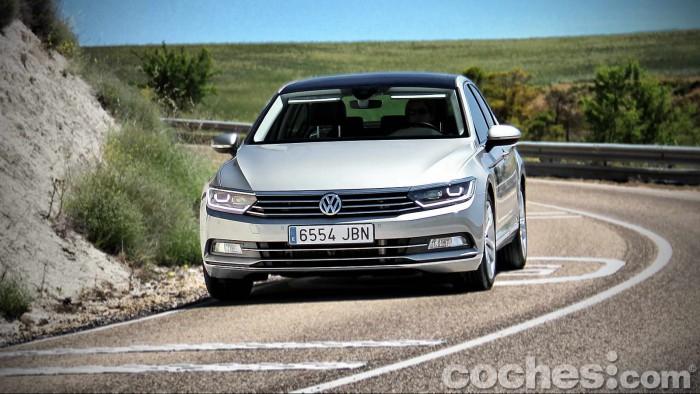 Volkswagen_Passat_2.0TDI_BMT_126