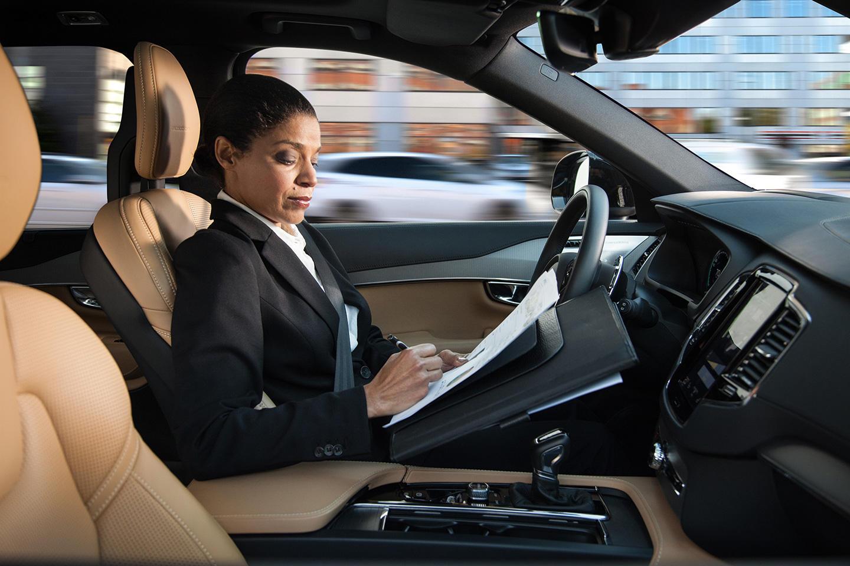 Volvo Intellisafe Auto Pilot interface 07