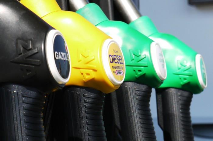 gasolinera surtidores