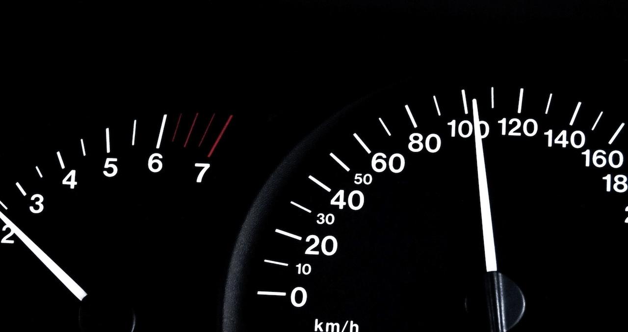 velocimetro 100 kmh
