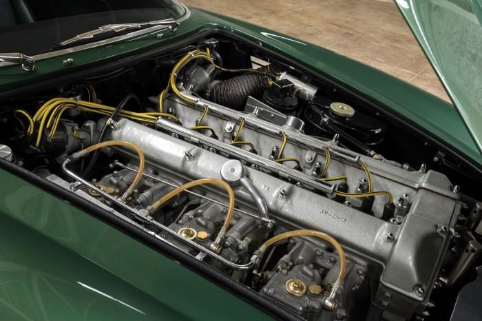 Aston Martin DB4GT Zagato 1962 motor 01