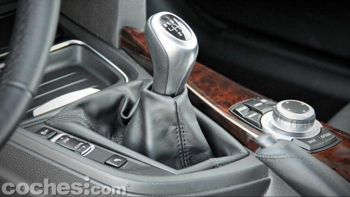 BMW_318d_GT_024