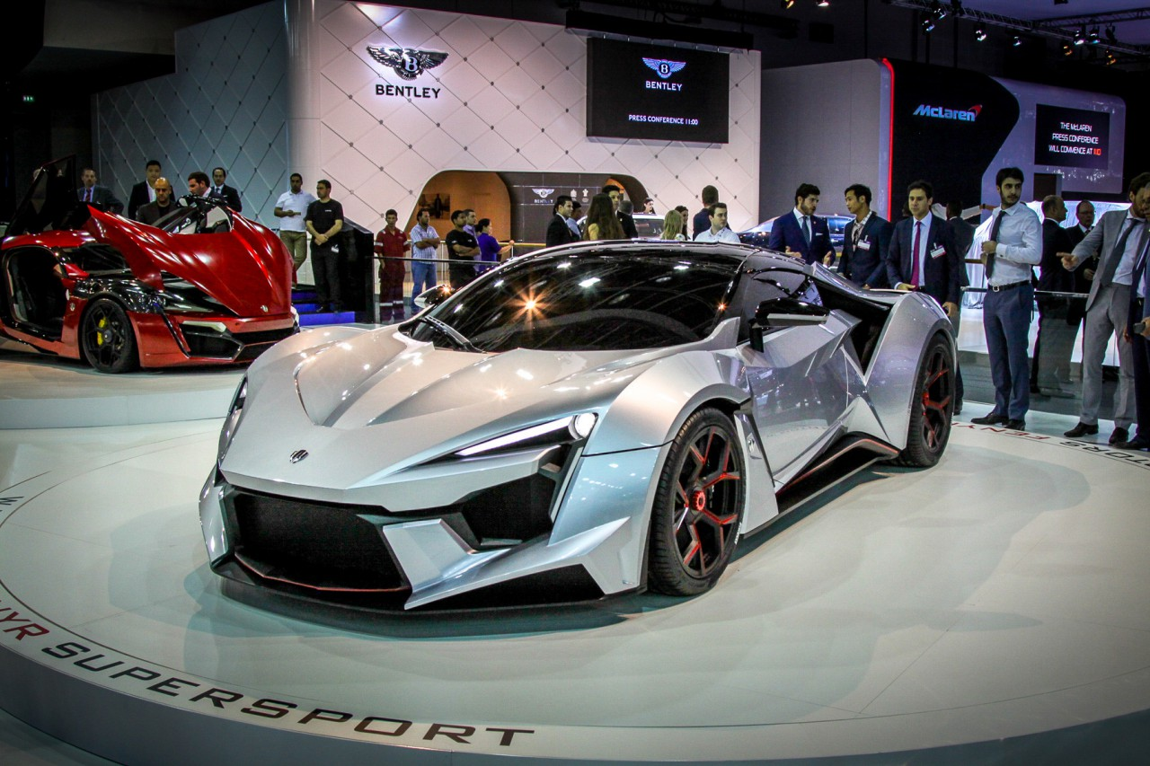 Fenyr Supersport De L 237 Bano Al Circuito