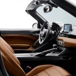 Fiat 124 Spider 2016 interior 01