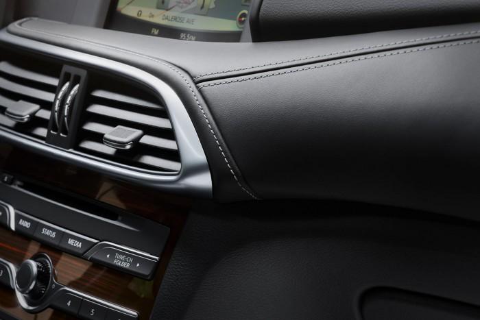 Infiniti QX30 2016 interior 02