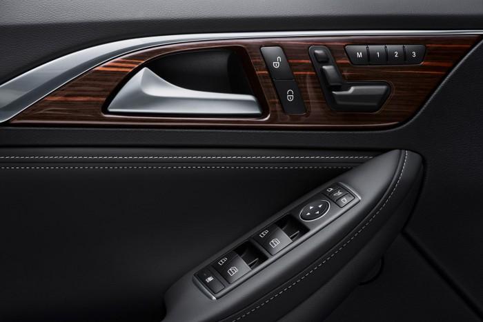Infiniti QX30 2016 interior 04