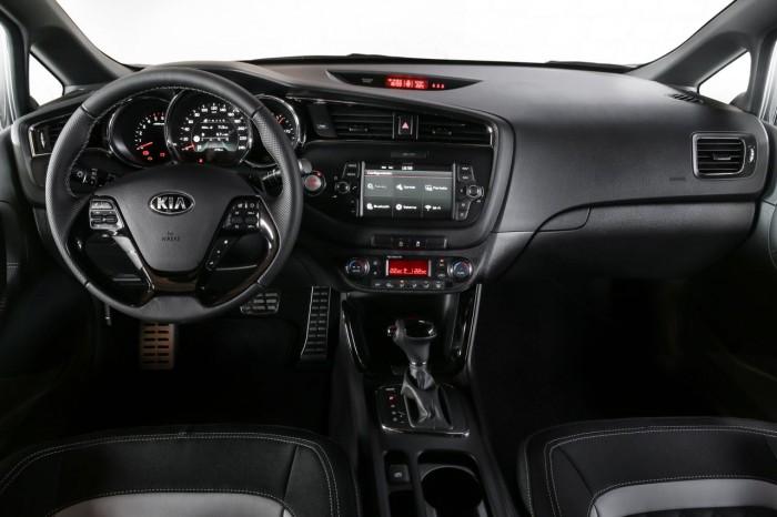 Kia ceed sw 2016 interior 17