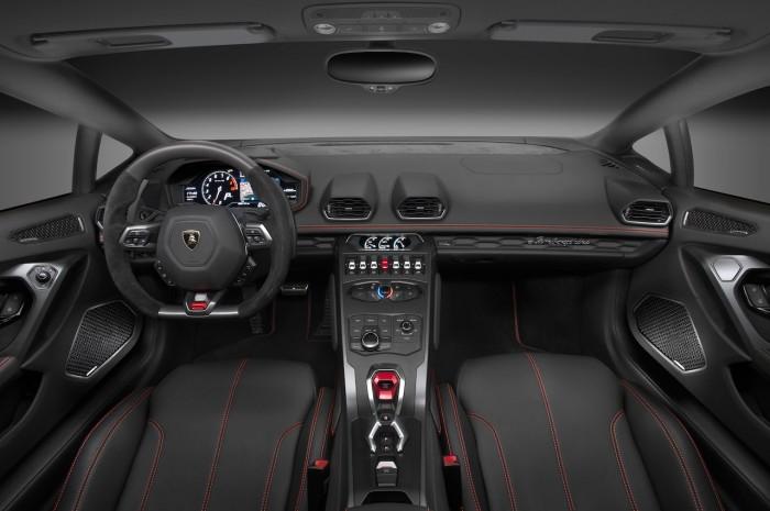 Lamborghini Huracan LP 580-2 2015 interior 01