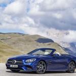 Mercedes-Benz SL 500. Brillantblau mit AMG Line.Mercedes-Benz SL 500. Brilliant blue with AMG Line.