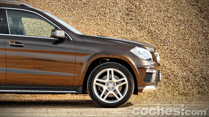 Mercedes_Benz_GL_350_023