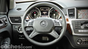 Mercedes_Benz_GL_350_035