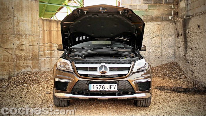 Mercedes_Benz_GL_350_063