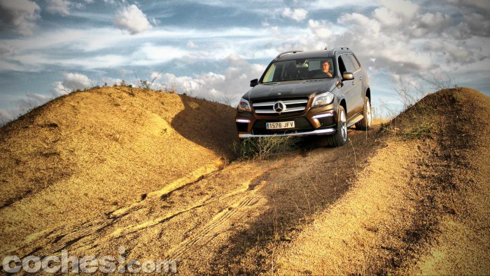 Mercedes_Benz_GL_350_075