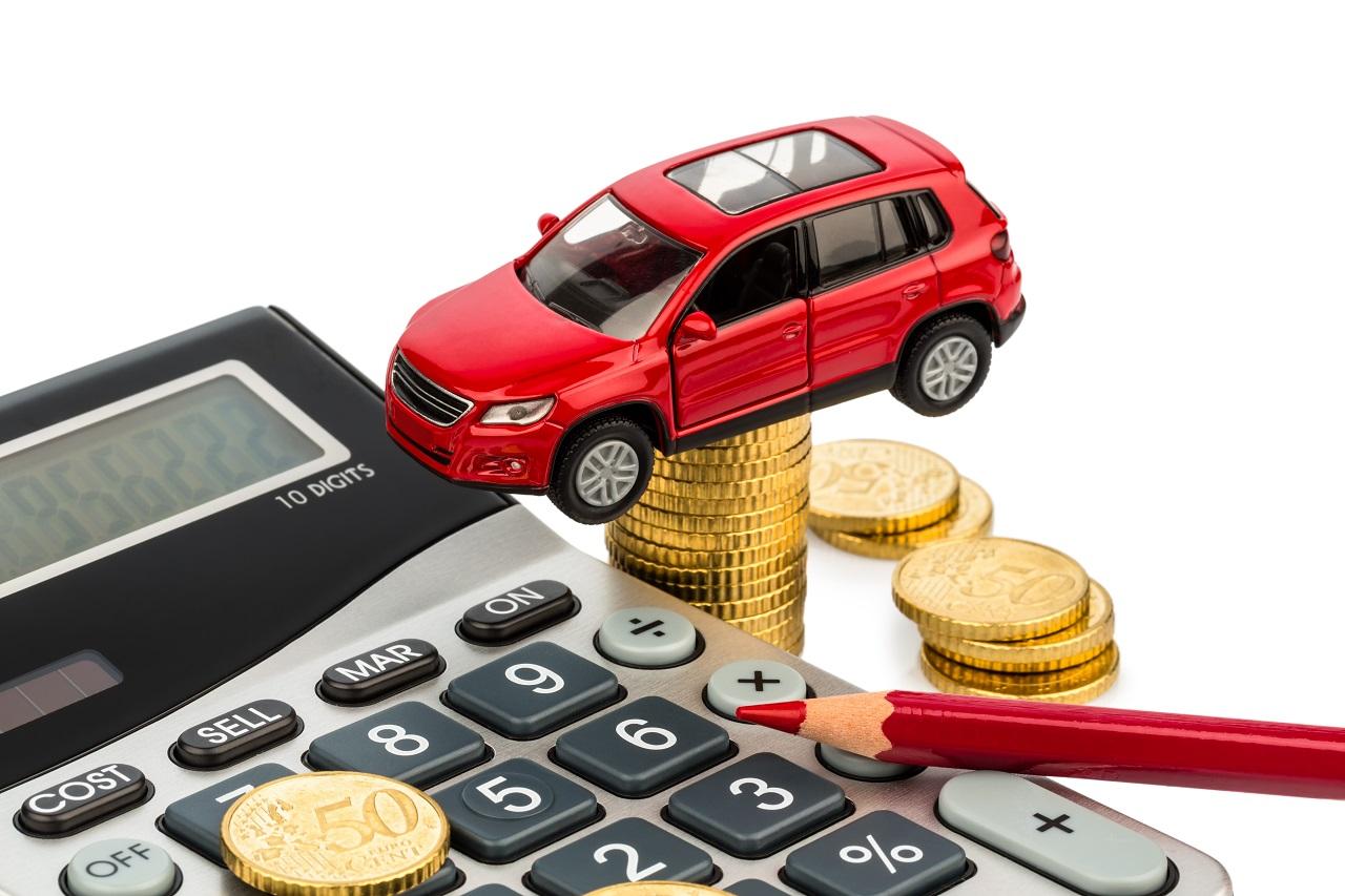 Kosten für Auto. Mit Taschenrechner