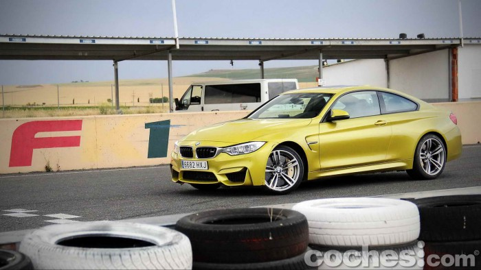 BMW_M4_Coupé_044