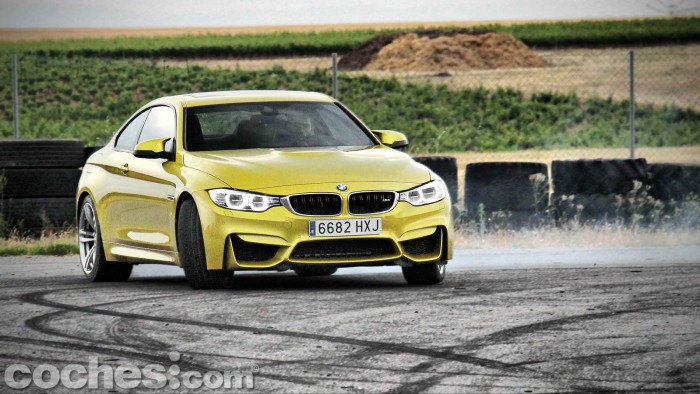 BMW_M4_Coupé_045
