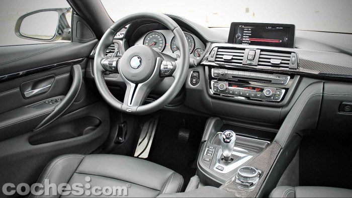 BMW_M4_Coupé_057