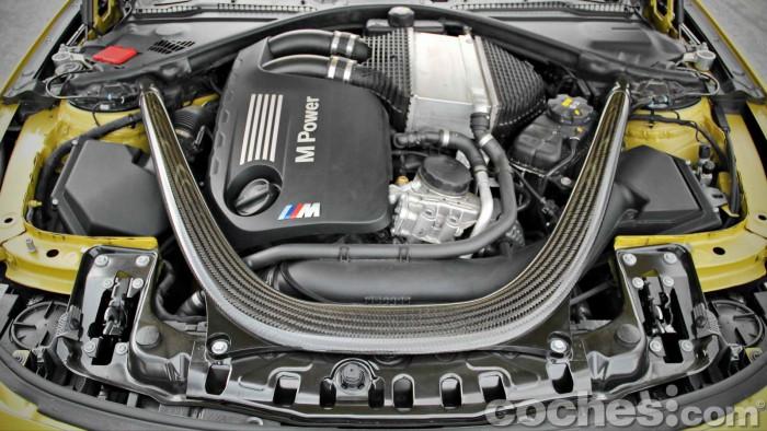 BMW_M4_Coupé_085