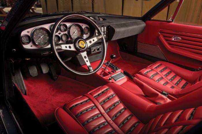 Ferrari 365 GTB_4 Daytona Berlinetta by Scaglietti 1973 interior 01
