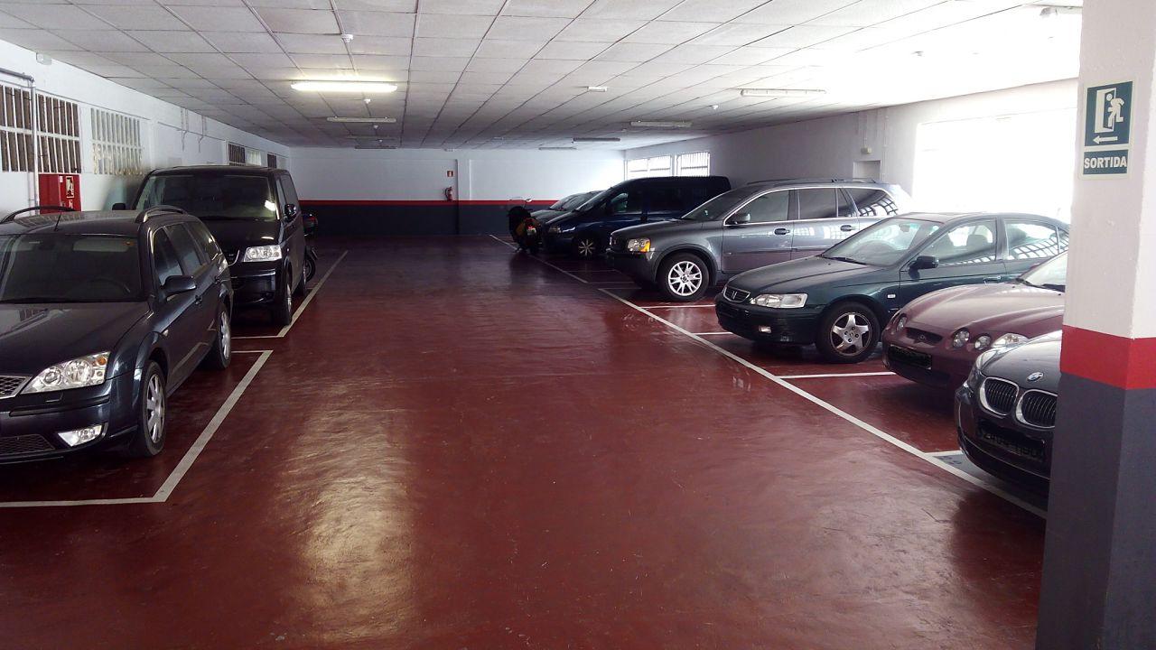 C mo debes actuar si aparcan en tu plaza de garaje - Garaje de coches ...