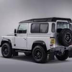 Land Rover Defender 2 millones
