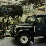 Land Rover Defender fabrica 2015 01