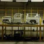 Land Rover Defender fabrica 2015 02