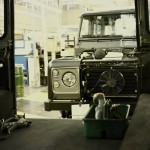 Land Rover Defender fabrica 2015 22