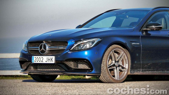 Mercedes-AMG_C_63_Estate_007