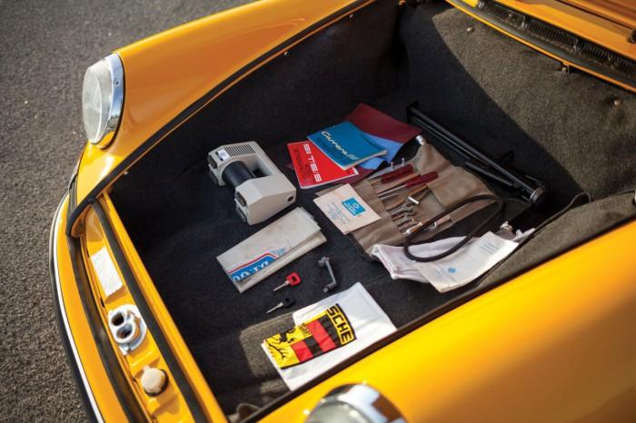 Porsche 911 Carrera RS Touring 1973 interior 03