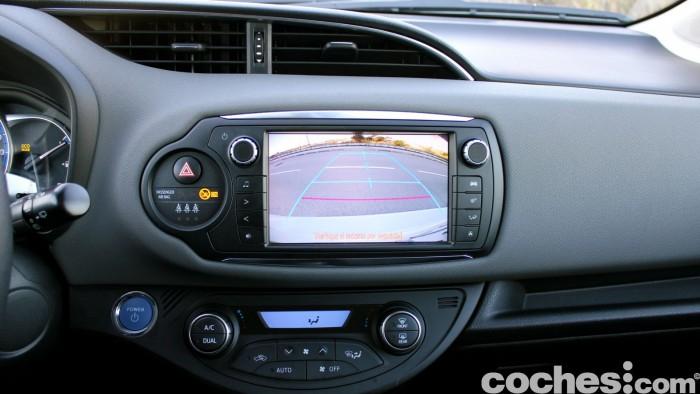 Toyota Yaris Hybrid interior prueba 1