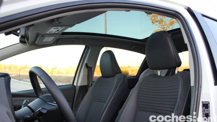 Toyota Yaris Hybrid interior prueba 10