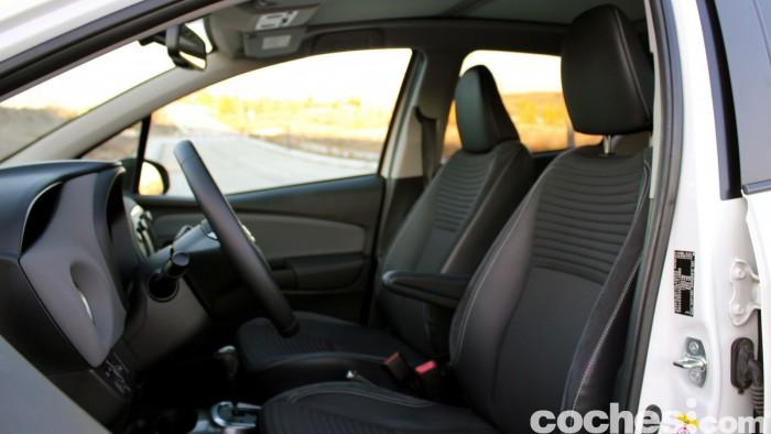 Toyota Yaris Hybrid interior prueba 3