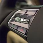 Genesis G90 2016 interior 06