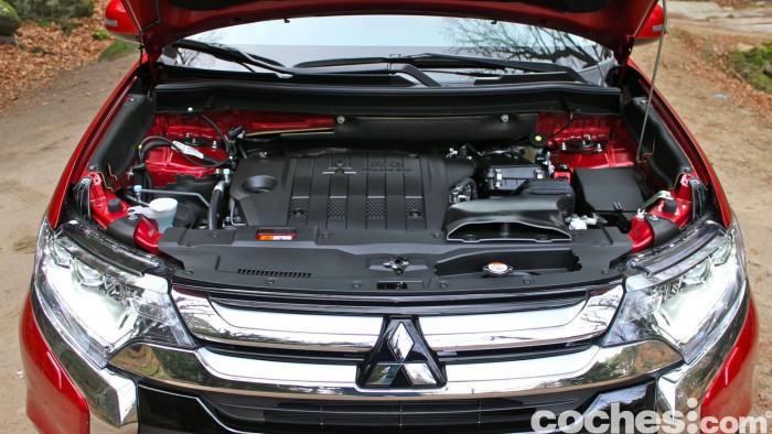Mitsubishi Outlander 220DI-D 2016 prueba motor 01