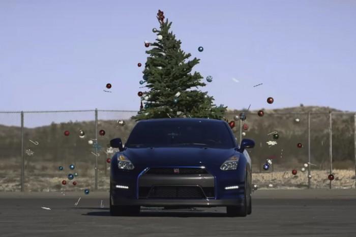Nissan GT-R arbol Navidad