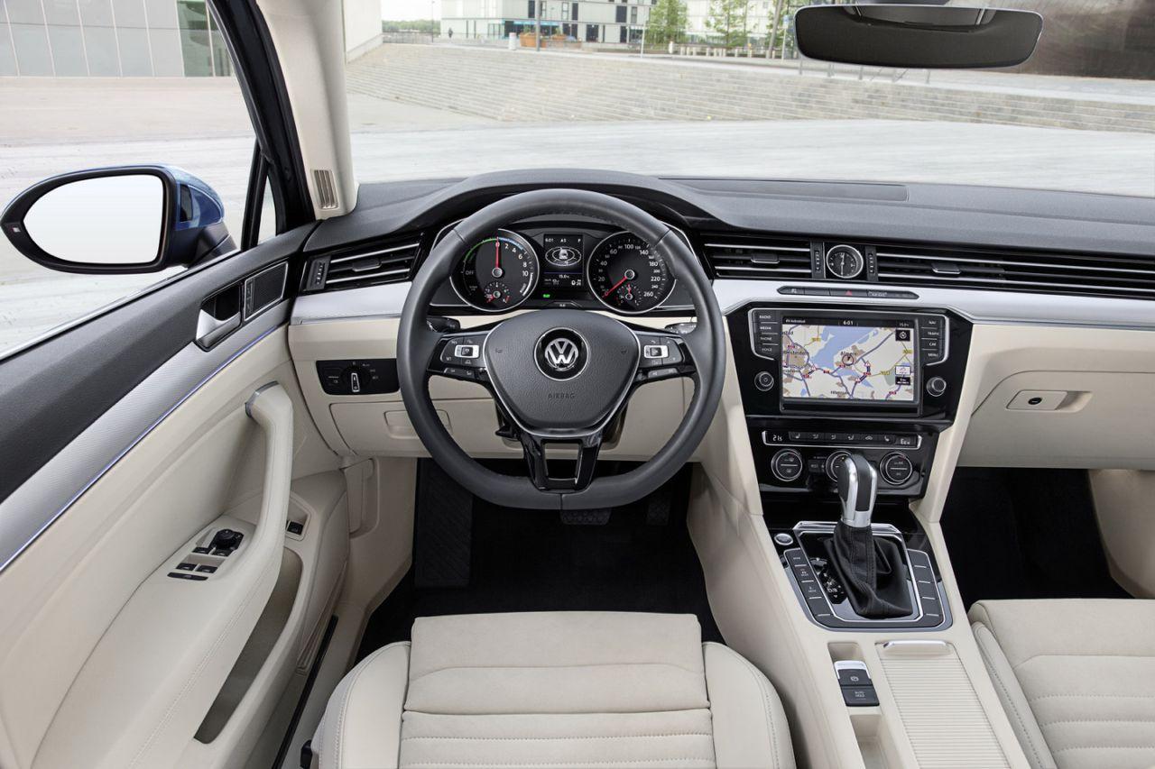 Volkswagen passat variant gte precio for Volkswagen passat interior