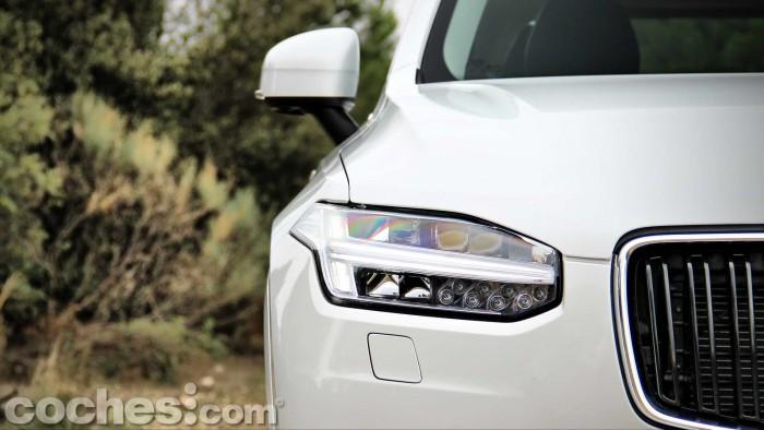 Volvo_XC90_D5_AWD_016