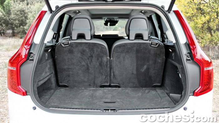 Volvo_XC90_D5_AWD_030