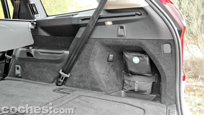 Volvo_XC90_D5_AWD_040