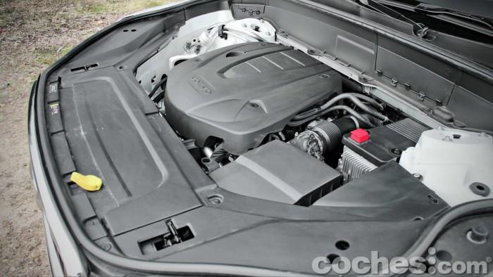 Volvo_XC90_D5_AWD_047