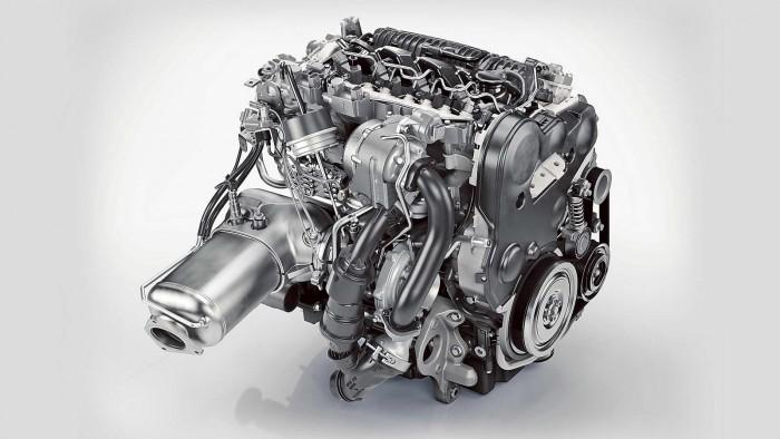 Volvo_XC90_D5_AWD_048