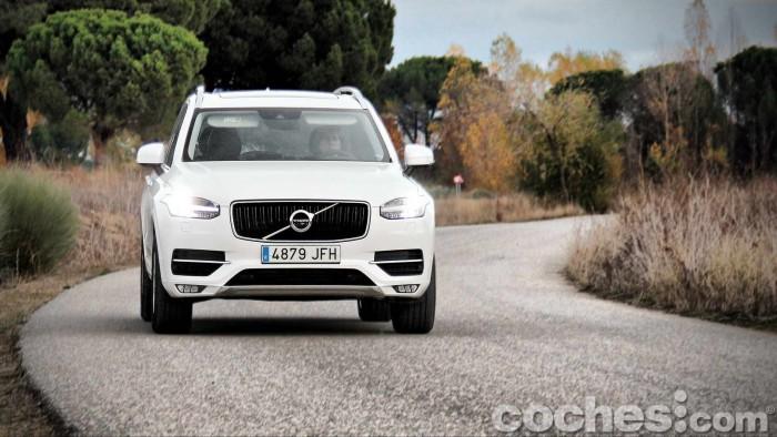 Volvo_XC90_D5_AWD_049