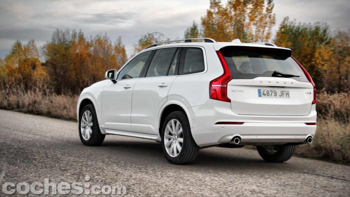 Volvo_XC90_D5_AWD_053